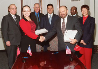 Israel Hernandez with members of Clean Coal Technologies, Inc. and Shanxi POAR Environmental